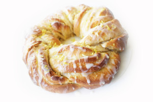 braided sweet lemon loaf with tangy lemon drizzle