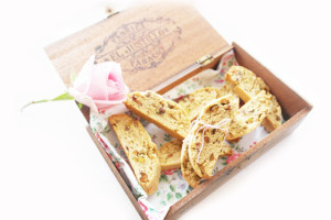 rosewater and pistachio biscotti