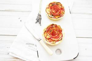 plum frangipane flower tart