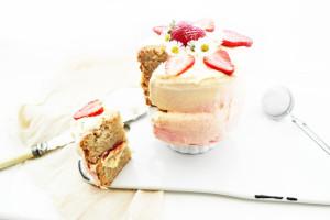 lychee and strawberry yogurt cake