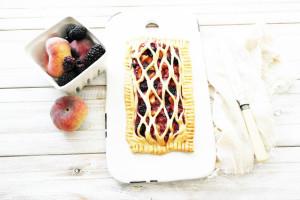 peach and blackberry slab pie
