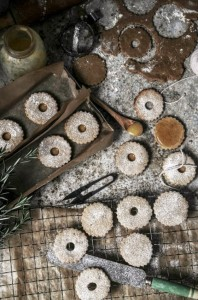 ginger linzer cookies with butter caramel