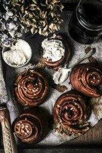 pretzel cinnamon rolls from izy hossacks from top with cinnamon