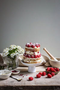 mini raspberry and sesame cake with tahini frosting