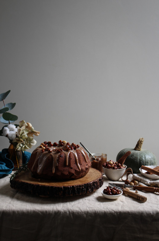 chocolate pumpkin cake with hazelnut praline frosting-1-16
