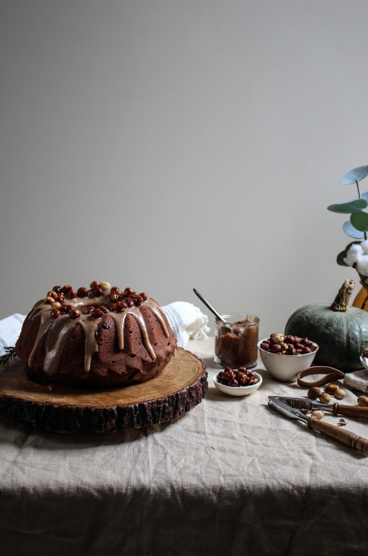 chocolate pumpkin cake with hazelnut praline frosting-1-2