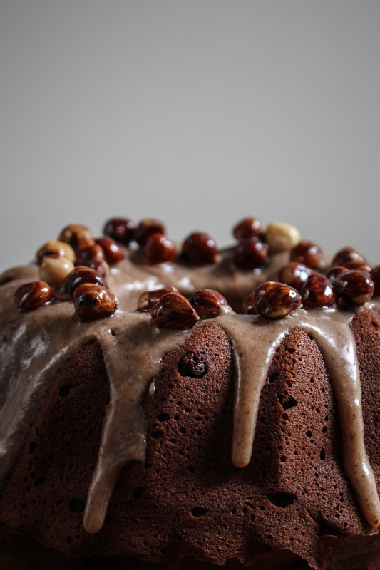 chocolate pumpkin cake with hazelnut praline frosting-1-24