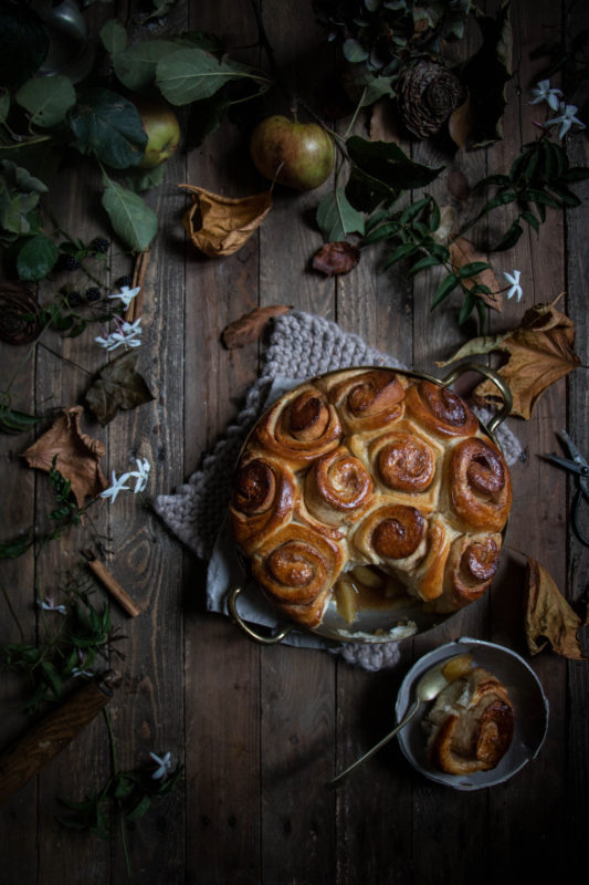 jasmine tea poached caramel apple bottomed cinnamon buns-1-1