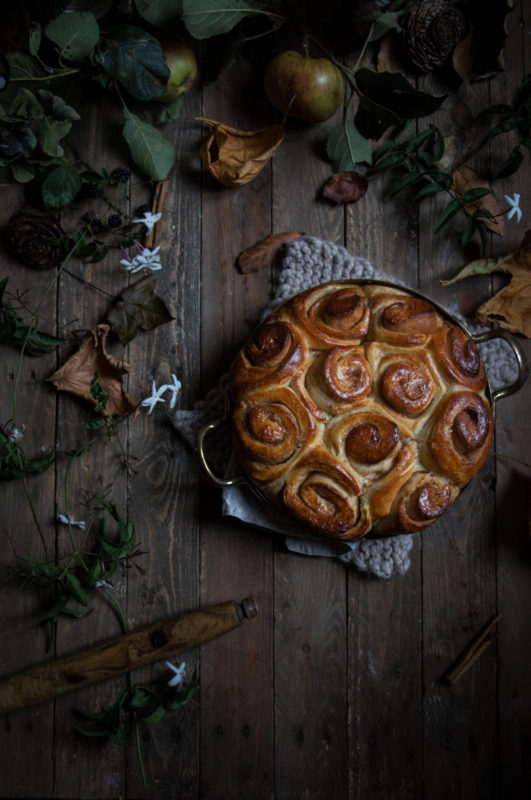 jasmine tea poached caramel apple bottomed cinnamon buns-1-7-1