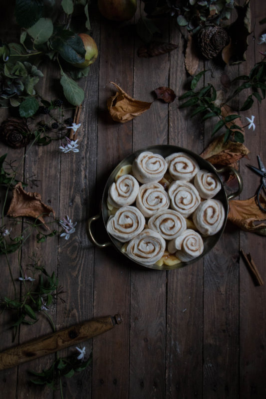 jasmine tea poached caramel apple bottomed cinnamon buns-1-8