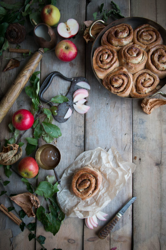 vegan-apple-cinnamon-buns-1-5
