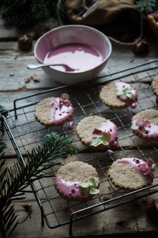chestnut-cookies-with-pomegranate-glaze-1-16