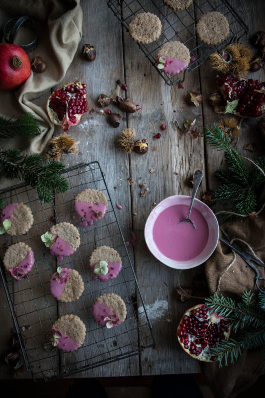 chestnut-cookies-with-pomegranate-glaze-1-3